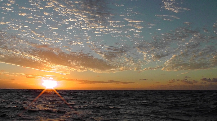 Fiji2NewCal 04 sunset 700x New Caledonia